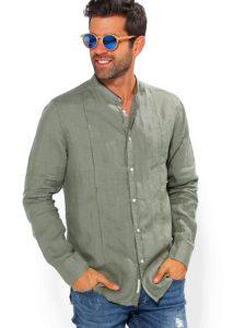 camisa-homem-com-gola-mao-e-manga-comprida-caqui